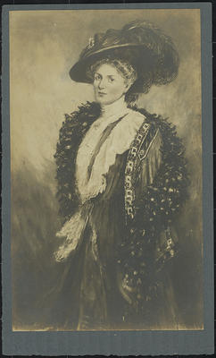 RC2015/4/4/13; Mrs W H Field c 1910 by R S Clouston