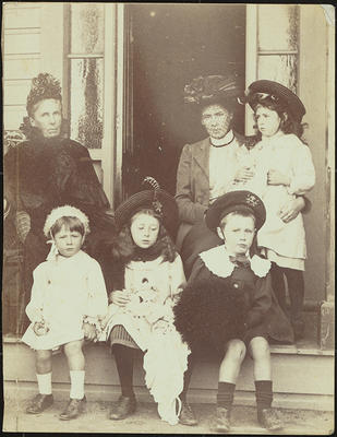 Mrs Hodgkins, Isabel Field and her children, Lydia (known as 'Ba', held by Isabel), Jack, Isabel (Girlie), and Geoffrey