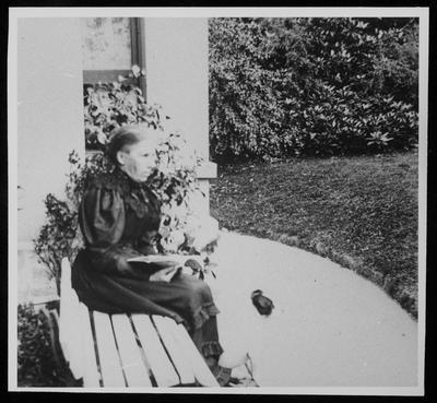 RC2015/4/7/2; Mrs W M Hodgkins at Cranmore Lodge